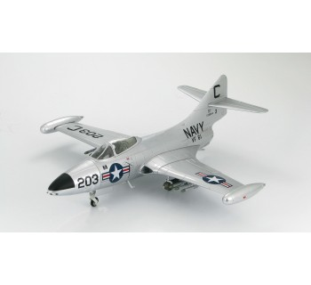 "Hobby Master 1/48 Grumman F9F-2 Panther, VF-61 ""Jolly Rogers"""